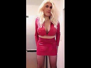 Suleika Latex showing her big boobs