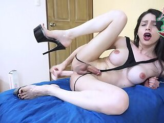 CumXplosion 02 : 10 inches up my ass